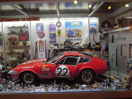 Vitrine Garage Ferrari 365 GTB4 Competizione