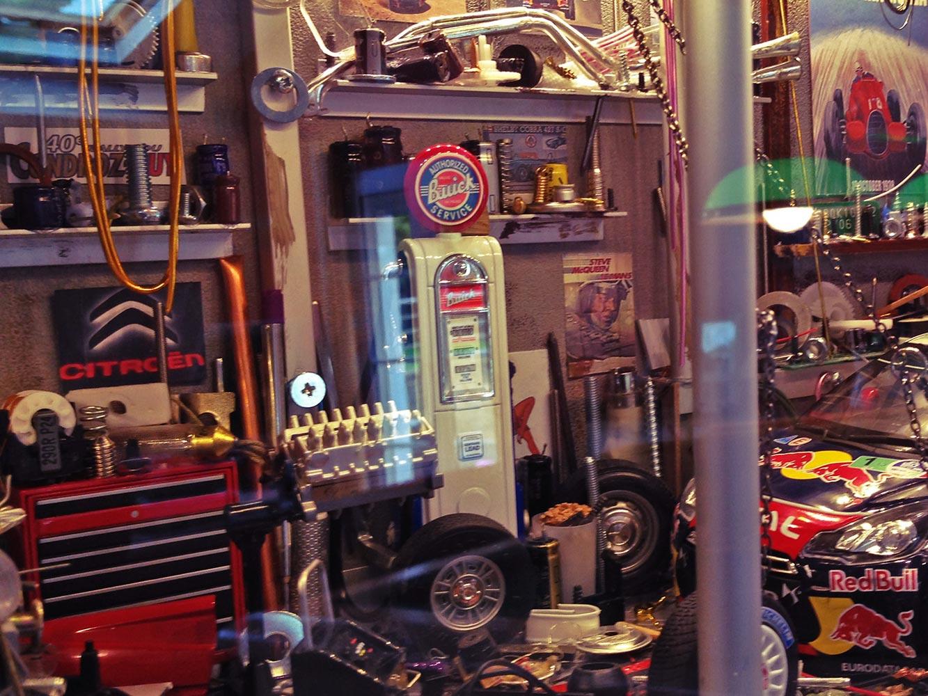 Vitrine-Garage-Citroen-WRC-04