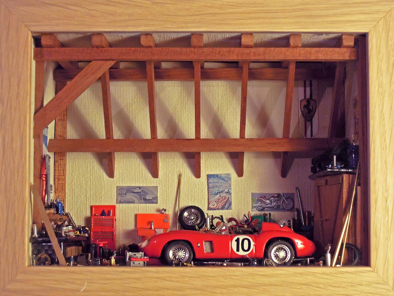 Garage-Ferrari-Rouge-n10-1