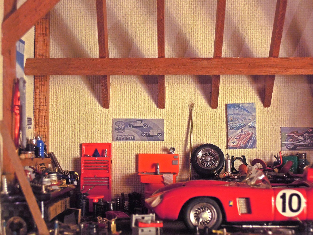 Garage-Ferrari-Rouge-n10-2