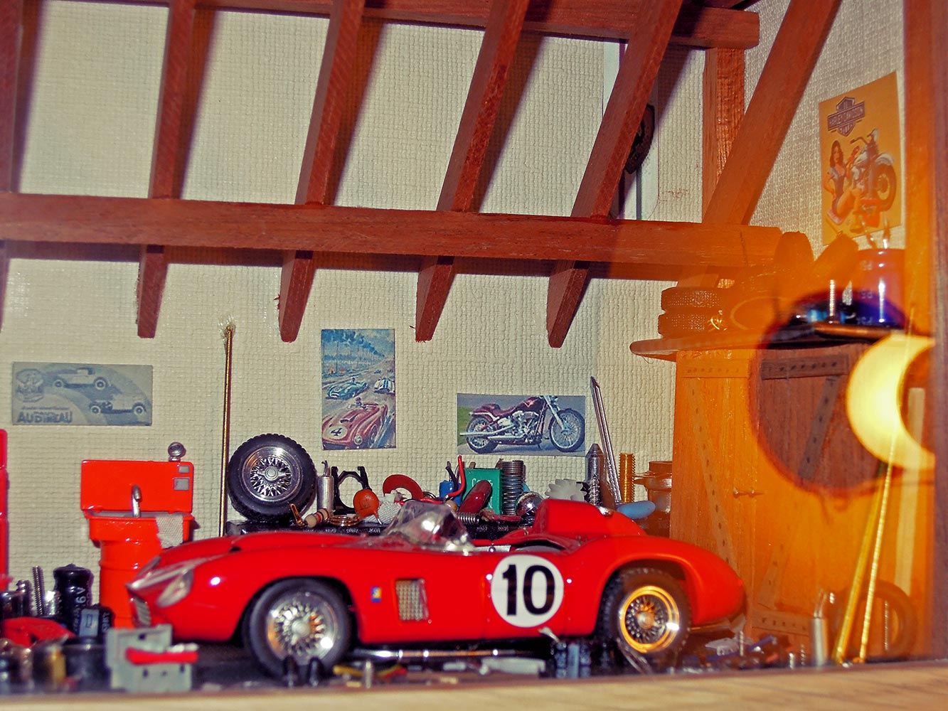 Garage-Ferrari-Rouge-n10-3