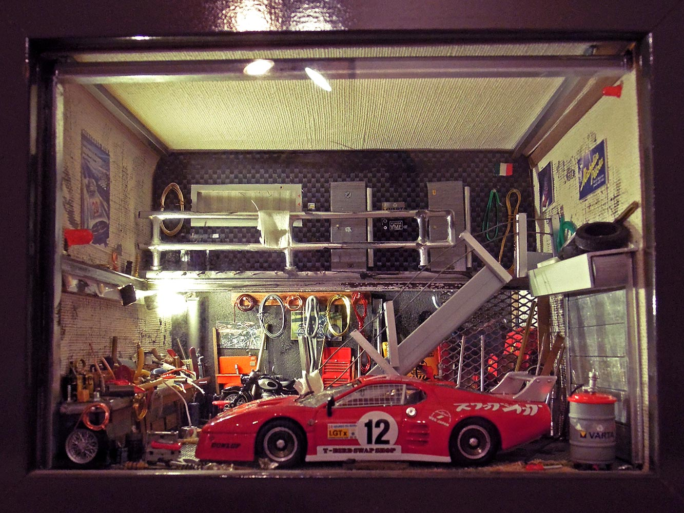 Garage-Ferrari-Rouge-n12-1
