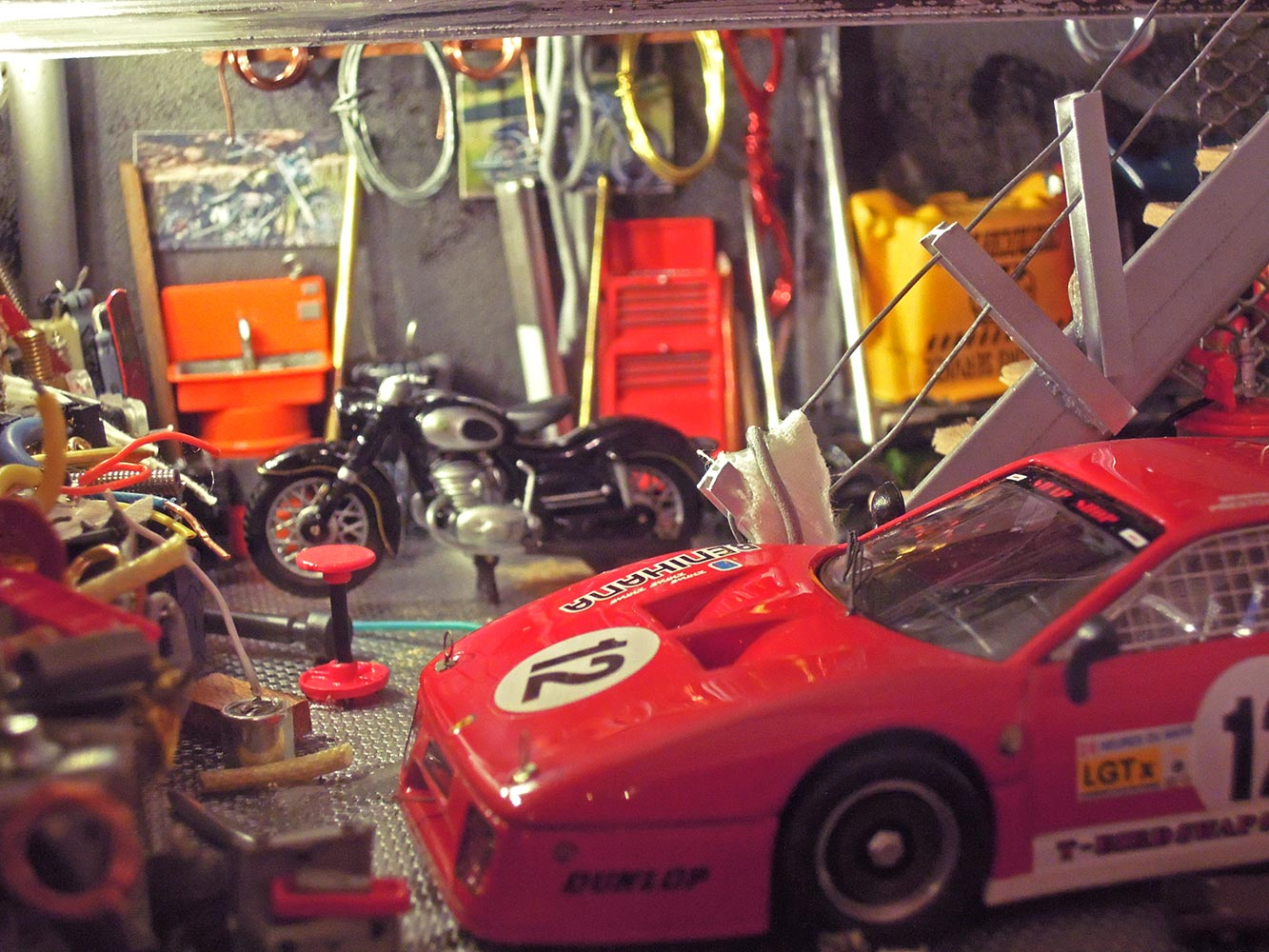 Garage-Ferrari-Rouge-n12-3